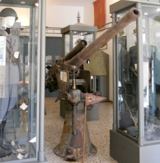 Tullio Marcon story - 76_40 anti-aircraft gun in military museum at Chiaramonte Gulfi, Sicily